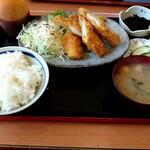 お食事処 日本亭 - イカフライ定食(税込750円)