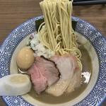 158456418 - 濃厚煮干そば 麺リフト