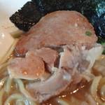 豚ソバ Fuji屋 - チャーシューアップ