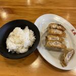 naratenrira-mentempuu - 餃子セット¥300(ディナー時)