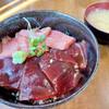 まぐろや - 料理写真:特上マグロと赤身の二色漬け丼1,800円