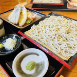手打ちそば 蕎山 - 天せいろ(天ぷら:海老、舞茸、鱚、茄子、ししとう)
