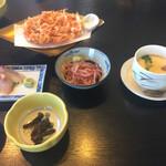 くらさわや - サラダ、蕗味噌、茶碗蒸しには桜えびは入らず〜(・_・; 3,465円。