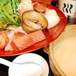 四季肴酒 なにわ割烹 たく庵 - 濃厚な海老出汁と豆乳の寄せ鍋