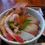 満升 - 料理写真:のと里山海鮮丼