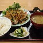 えぷろん亭 - 料理写真:月替わり定食(今月はしょうが焼き定食)