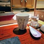 158525009 - 最初のドリンクは芋焼酎のソーダ割り