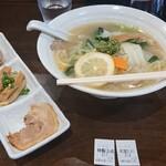 自家製多加水極太麺 ISAMI - 料理写真:辛口塩タンメン➕特製トッピング