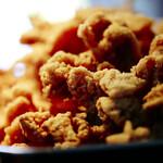 塩ザンギとお総菜 ひろちゃん - こだわりの塩が旨味を増幅中。