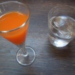 ビストロ モズ - 料理写真:オレンジとニンジンジュース