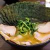 天王家 - 料理写真:チャーシューめん、海苔(7枚)