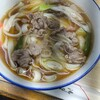 太湖 - 料理写真:肉うどん·350円の麺をきしめんに変更。