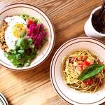 チル キッチン - 料理写真:ガパオライス、パスタ