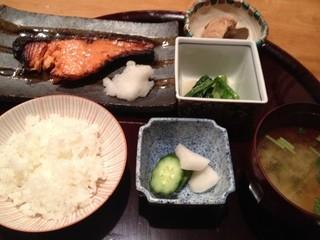 あん梅 ぎん香 - 鮭の塩麹焼き定食