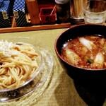 らーめん 鴨to葱 - キラキラ光る「鴨汁」と「つけ麺」