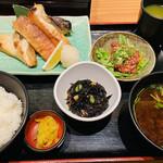 天下の台所大起水産 さしみと寿司の店 - サーモンかま焼き定食♡
