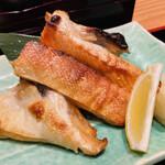 天下の台所大起水産 さしみと寿司の店 - サーモンかま焼き