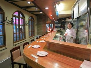IZAKAYA VIN - 1階のカウンター席