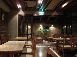 レストラン 山猫軒 - 寛ぎの空間