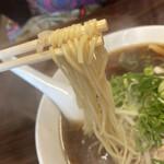 明記大陸食堂 - 昔ながら中太ストレート中華麺。