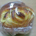 ANAクラウンプラザホテル大阪 DELICA SHOP - お芋のパン