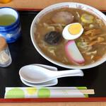 角屋 - 料理写真:五目中華そば800円