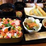 たいりょう寿司 - ほうせき丼セット これにデザートとコーヒー付きで950円