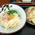 讃岐うどん いわい - イエロー唐辛子・醤油うどん&天ぷら