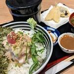 魚河岸酒場 FUKU浜金 - 贅沢つなぎ丼 上