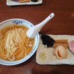 貪瞋癡 - 氷見産煮干しラーメン800円