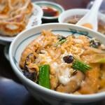 香来軒 - 料理写真:勝丼(¥990)、餃子(¥650)。 卵がふわふわのカツ丼と肉汁たっぷりの餃子をどうぞ!