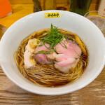 鶏びあんSoba みやみや - 料理写真:「鶏びあんそば しょうゆ」¥750