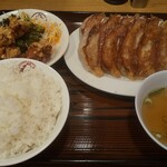 大阪王将 - 餃子定食(ごはん大)