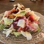 オステリアラブラ - 料理写真:食いしん坊サラダ