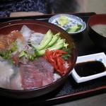 出雲屋 - 海鮮丼(950円)→(630円。。多分^^;)