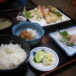 出雲屋 - お任せA定食(1050円)