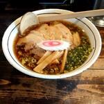 麺屋らあいち - 料理写真:中華そば  醤油  ( チャーシュー トッピング  )