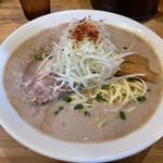 158696473 - 鶏だく、超濃厚な鶏白湯スープ