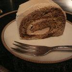 響香 - モカロールケーキ