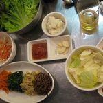 Hantejiya - ナムルとセットの野菜