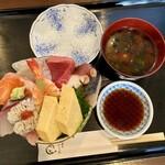寿司いしだ - 料理写真:海鮮丼