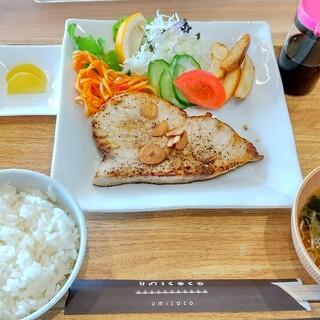 UMICOCO - 料理写真:メカトロ定食
