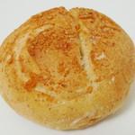 ブランジェリー ブリアン - バジリコベーコンチーズ(\168、2012年10月)