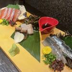 酒肴旬漁 狸穴 - 刺身3点盛り1400円