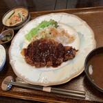 ペッパーミル - 料理写真:味噌カツランチ1000円