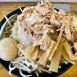 福助 - 料理写真:福助らぅめん(大)たまごメンマ@950円+野菜増し(無料)