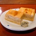 丸吉寿司 - 料理写真:玉子 甘くて柔らかい玉子に煮切り醤油と山葵 玉子に山葵って合うんだねえ!