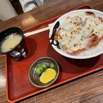 158777523 - 炙りチーズ豚丼