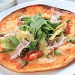 朝もぎ野菜Dining彩り家 - 彩り野菜のパンチェッタピザ
