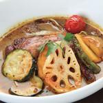 朝もぎ野菜Dining彩り家 - 特製スープカレーチキンレッグ
